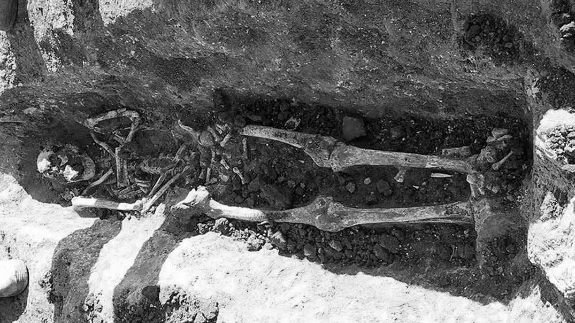 Roman Necropolis With 30 Perfect Graves Found