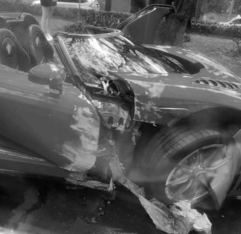 Unique 1-M-GBP Supercar Damaged In Crash