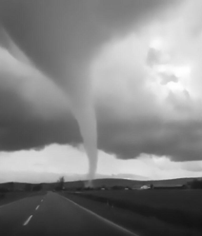 Terrifying Tornado Spirals As Motorists Drive By