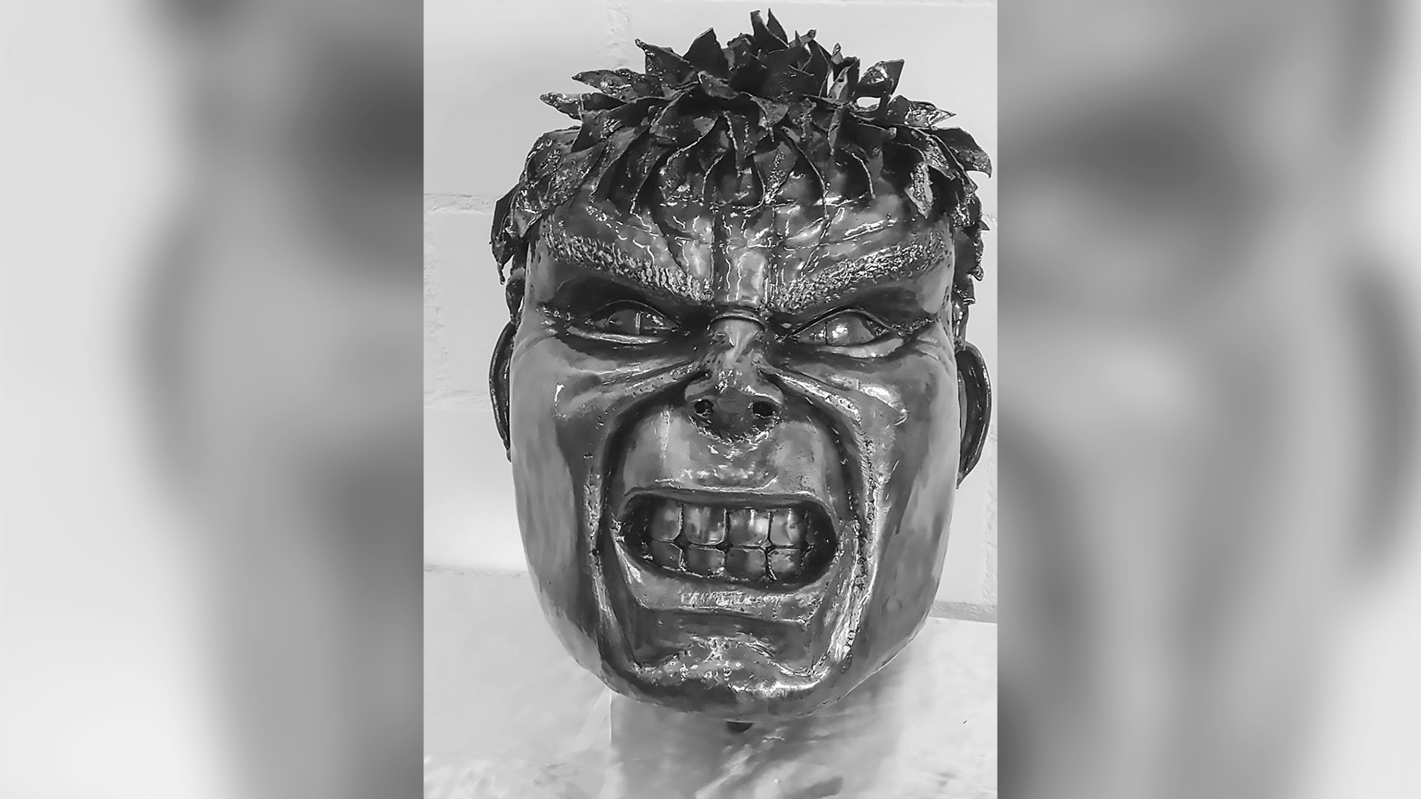 10k GBP Hulk Statue Head Returns But Artist Keeps Reward