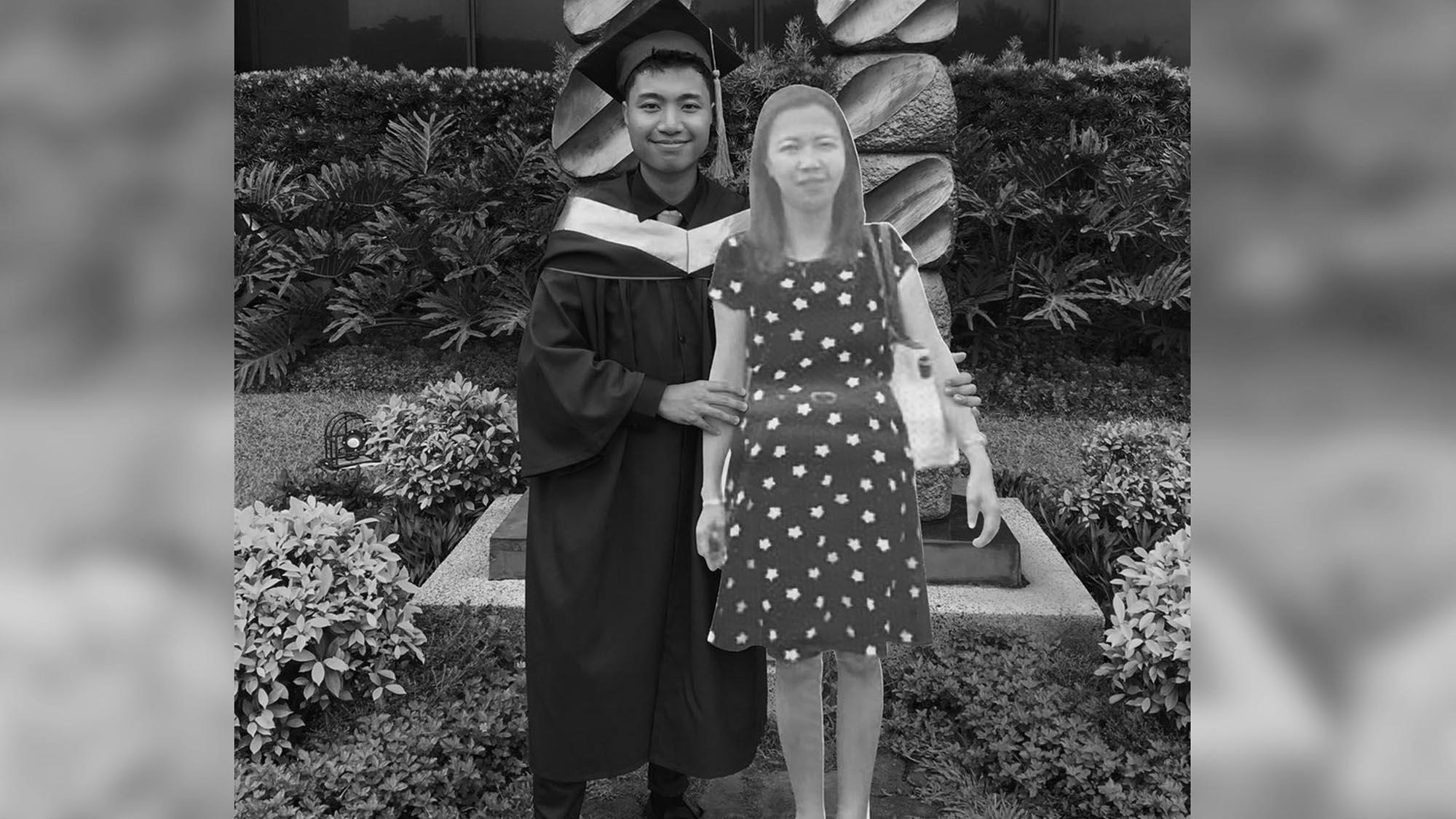 Uni Lad Takes LifeSize Cutting Of Dead Mum To Graduation