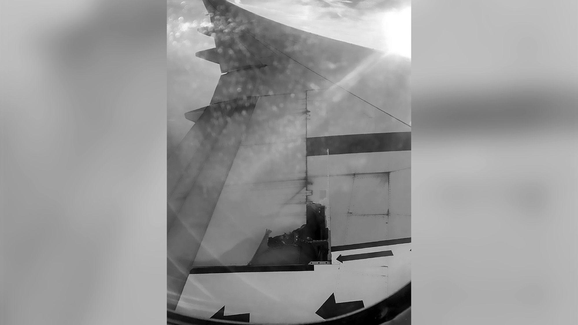 Boeing Jet Lands In NYC As Flyers Spot Wing Broke Off