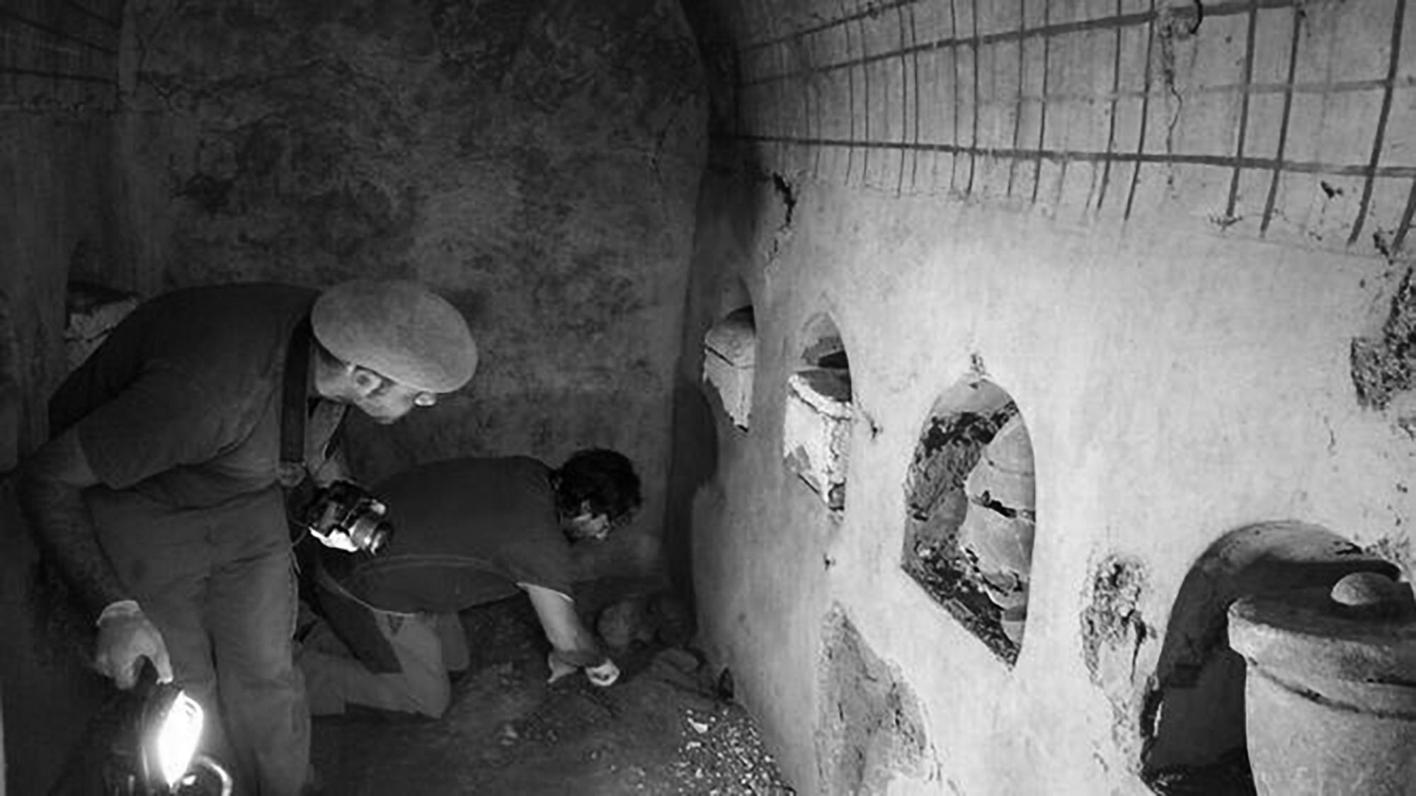 2000yo Roman Mausoleum Found By Builders Under House