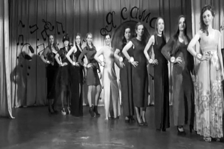 Sexy Russian Female Inmates Stage Prison Beauty Pageant