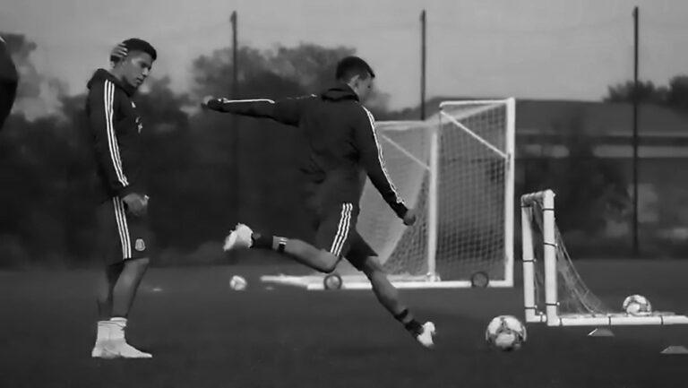 Napoli Star Chucky Lozano Scores Physics-Defying Goal